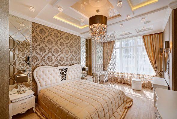 зеркальные поверхности в спальне