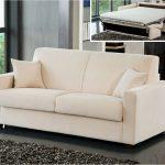 нюансы при выборе прямого дивана