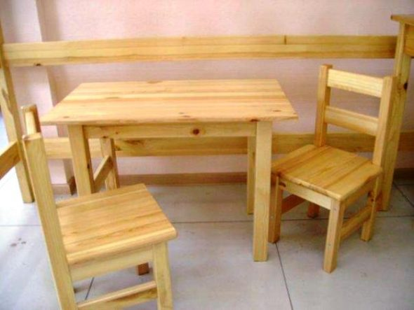 сделать стол и стулья из дерева своими руками гораздо проще