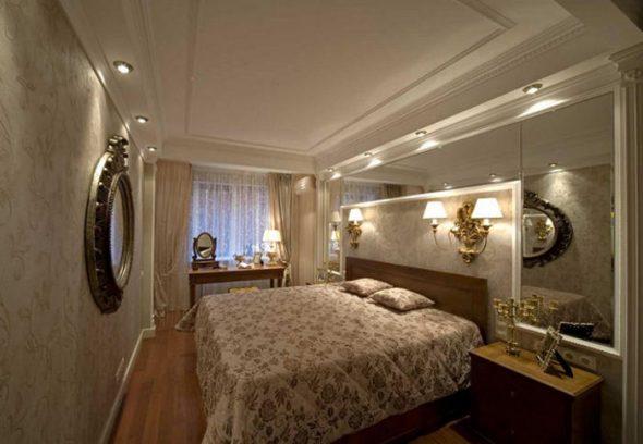 спальня с зеркалом в интерьере