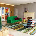 зеленый диван китч