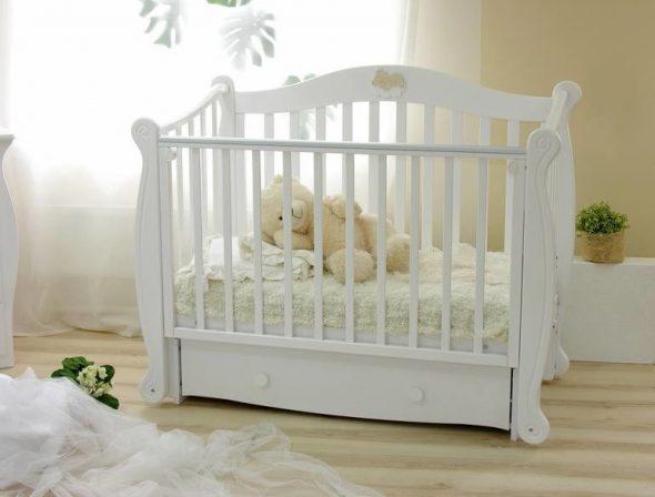 выбрать кровать для новорожденных