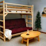 Детская двухъярусная кровать из дерева с диваном
