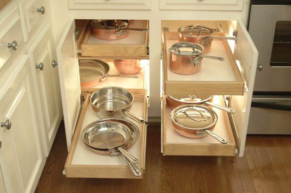 Доводчики и петли для кухонных шкафов – качественная фурнитура