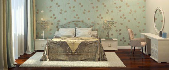 Интерьер с кованной кроватью