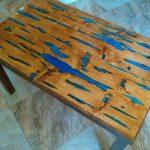 Эксклюзивный стол с эпоксидной смолой