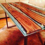 Эпоксидная смола и дерево для создания стола