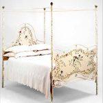 Кованая Кровать с балдахином фото