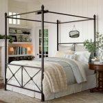 Кованые кровати с основанием для балдахина