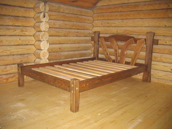 Кровати на заказ из массива сосны