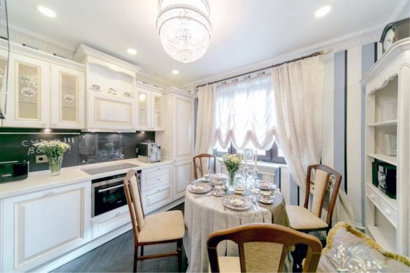 Кухня площадью 10,2 кв. метров