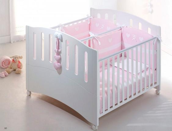 Манеж для двойни в виде кроватки