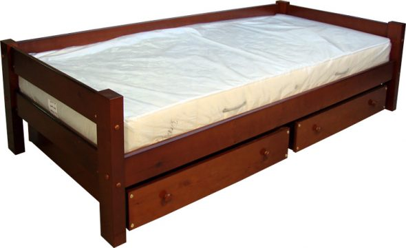 Односпальная кровать с матрасом