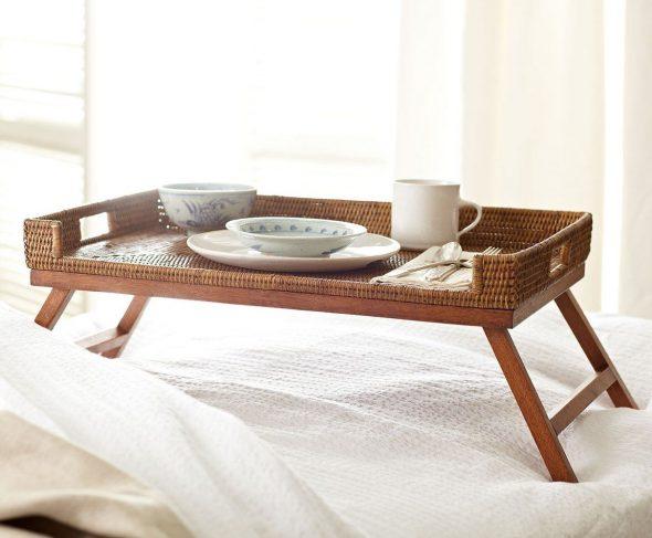 столик для завтрака дерево