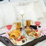 столик для завтрака интерьер