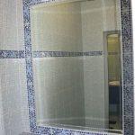 Зеркало в плитке смотрится отлично