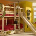 двухъярусная кровать с горкой