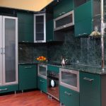 кухонные шкафы изумрудные