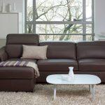 кожаный коричневый диван