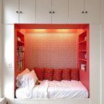 кровать и место хранения в нише