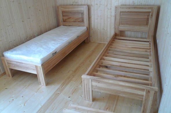 односпальные кровати из сосны для загородного дома