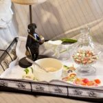 столик для завтрака фото