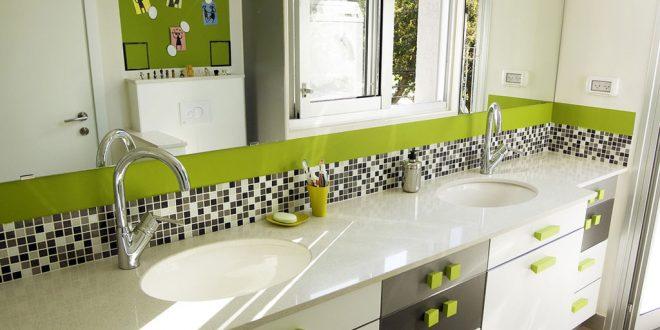 бело зеленая тумба в ванной