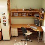 Детская мебель-стол письменный