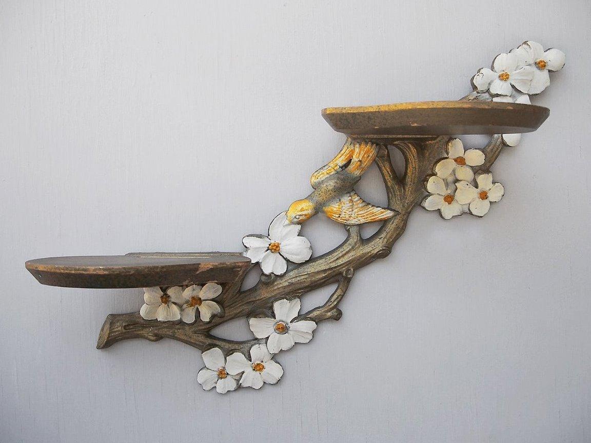 Настенная полка из дерева для цветов своими руками