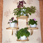 Полочка для цветов своими руками на стену фото