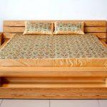Сосна – идеальный материал для кровати
