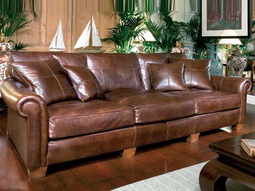 кожаный диван коричневий