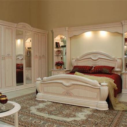 красивый спальный гарнитур