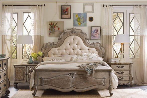 кровать с изголовья