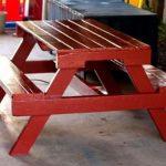 мебель для дачи своими руками-стол красного цвета