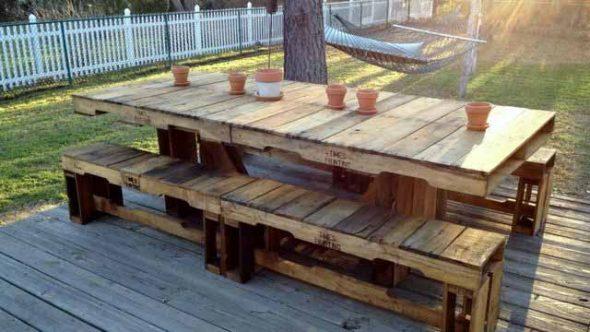 стол для дачи из поддонов
