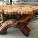 деревянный стол из спилов