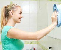 моем зеркало в ванной