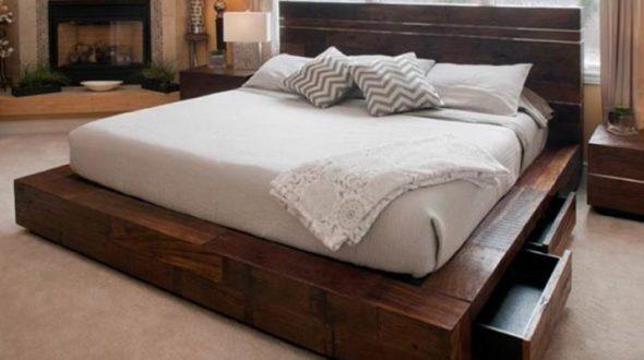 Кровать с выдвижными ящиками из массива дерева