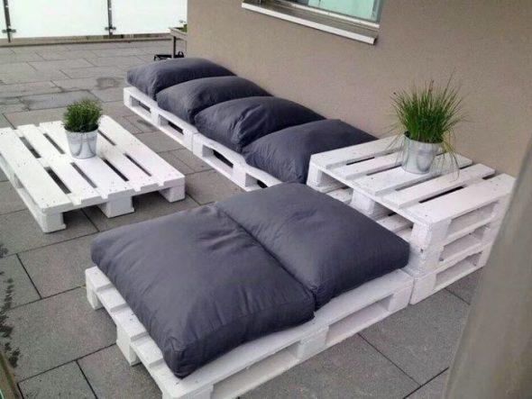 Мебельный гарнитур из поддонов