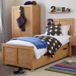 Односпальная кровать с ящиками для хранения в детскую