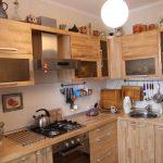 Угловая кухня из фанеры и стекла