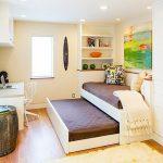 Выдвижная кровать с двумя спальными местами