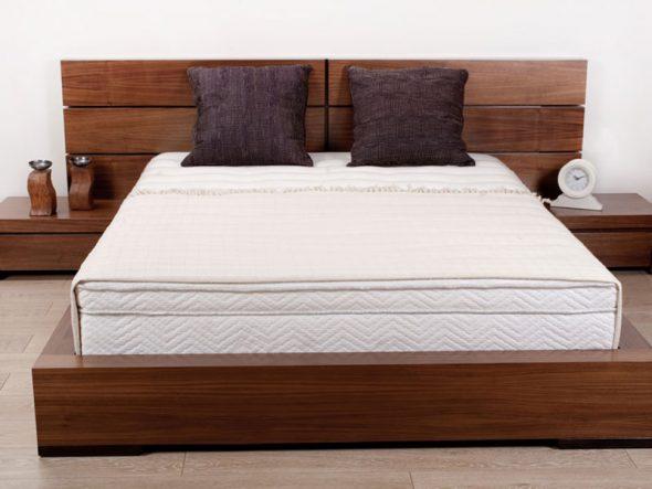 Деревянная двухспальная кровать из ольхи