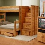 Деревянная мебель в детскую комнату
