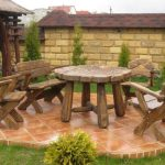 Деревянная самодельная мебель для дачи