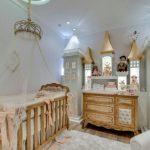 Детская деревянная мебель для принцессы