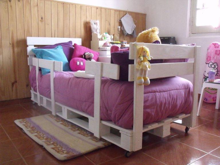 Детская кровать из поддонов своими руками фото