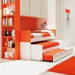 Детская оранжевая выездная кровать