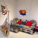 Детский диван-уголок из поддонов легко